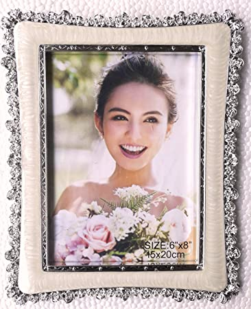 THINK3 BRAND IMPORTED FAMILY AND FRIENDS PHOTO FRAME WITH BEAUTIFUL COLOUR AND SILVER FINSHING BORDER WITH TABLE MOUNT.