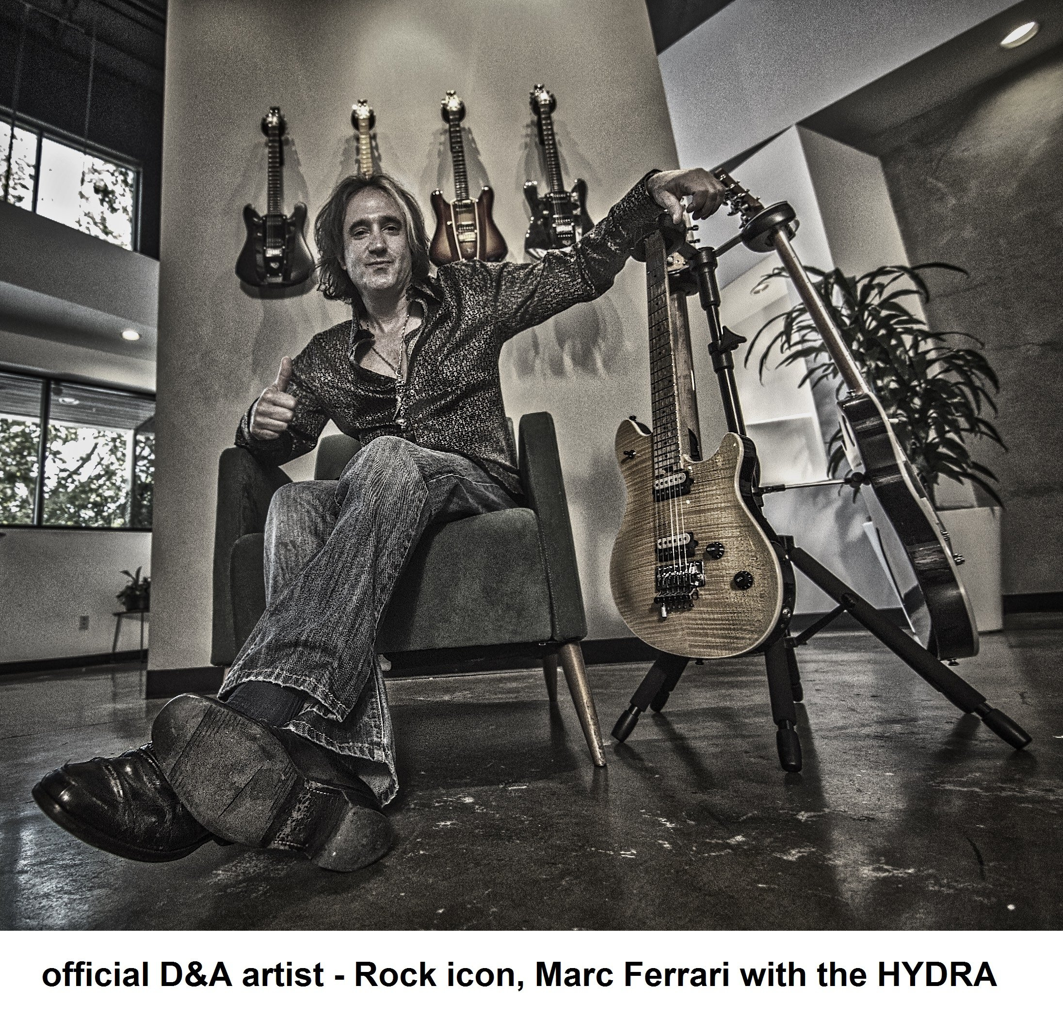 D&A Guitar Gear Hydra Quick-Folding 6-Legged Triple Guitar Stand with 3 Locking Heads (H-0600)