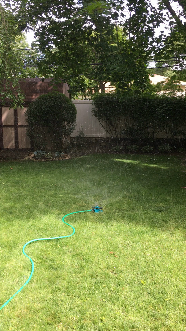Charmant My Husband Bought This Sprinkler After Reading Positive Reviews. And We  Didnu0027t Regret Our Purchase. Itu0027s Really A Very Good Helper For My Lawn.