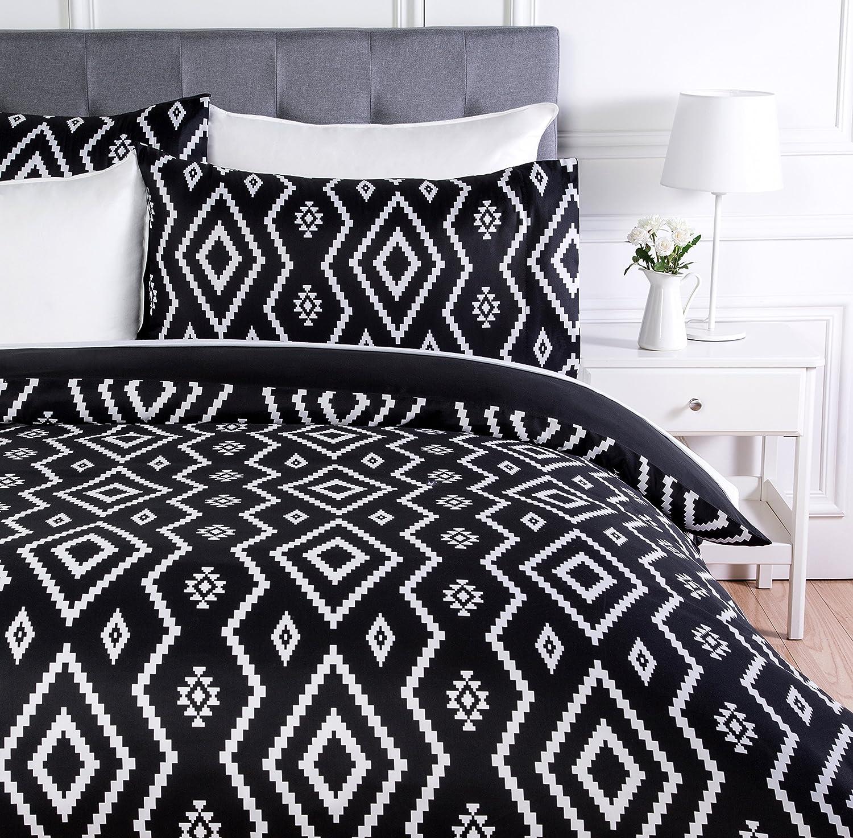 AmazonBasics - Juego de ropa de cama con funda de edredón, de microfibra, 200 x 200 cm, Negro (Black Aztec)
