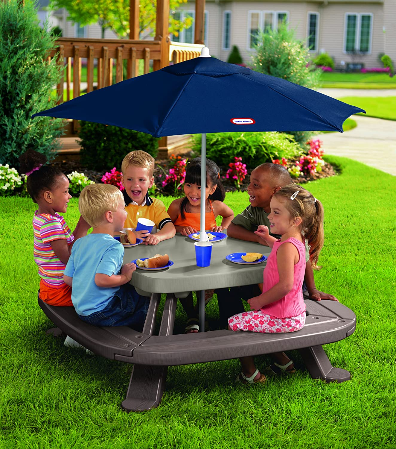 amazon com little tikes fold u0027n store table with market umbrella