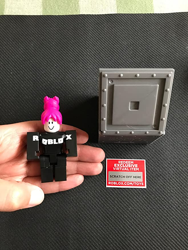 Roblox Bride Action Figure Includes Unused Virtual Char Amazon Com Roblox Series 1 Girl Guest Action Figure Mystery Box Virtual Item Code 2 5 Toys Games