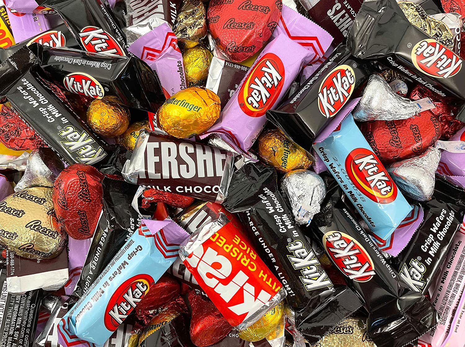 HERSHEY'S Candy Assortment HERSHEY'S REESE'S Hearts, KISSES, HERSHEY'S Miniatures, 3 Pound Bag