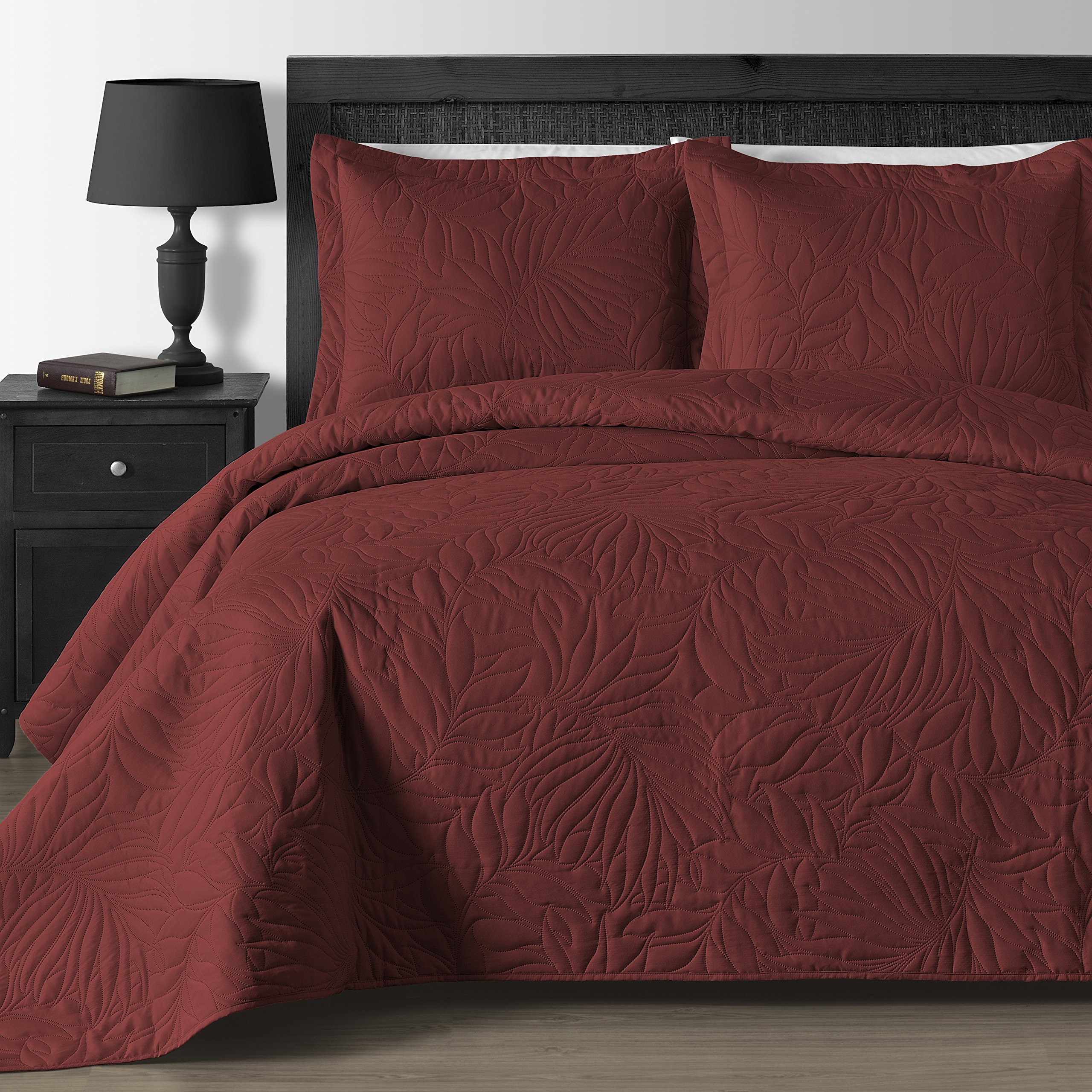 Comfy Bedding Extra Lightweight and Oversized Thermal Pressing Leafage 3-piece Coverlet Set (King/Cal King, Brick)