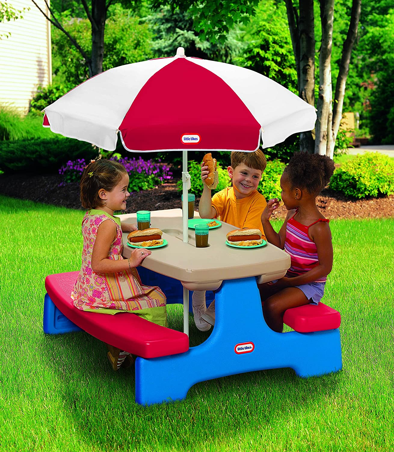 amazon com little tikes easy store large picnic table with