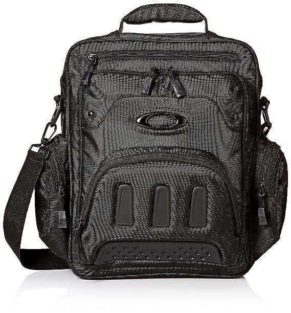32c5484f64 Oakley Men s Vertical Messenger 2.0 blackout One Size  Amazon.ca ...