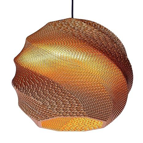 Garnet 40 de Wishnya, una lámpara de techo hecha de cartón ...