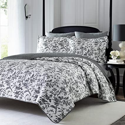 Amazon ukn 3 piece whimsical black white king quilt set floral ukn 3 piece whimsical black white king quilt set floral themed reversible bedding vintage antique mightylinksfo