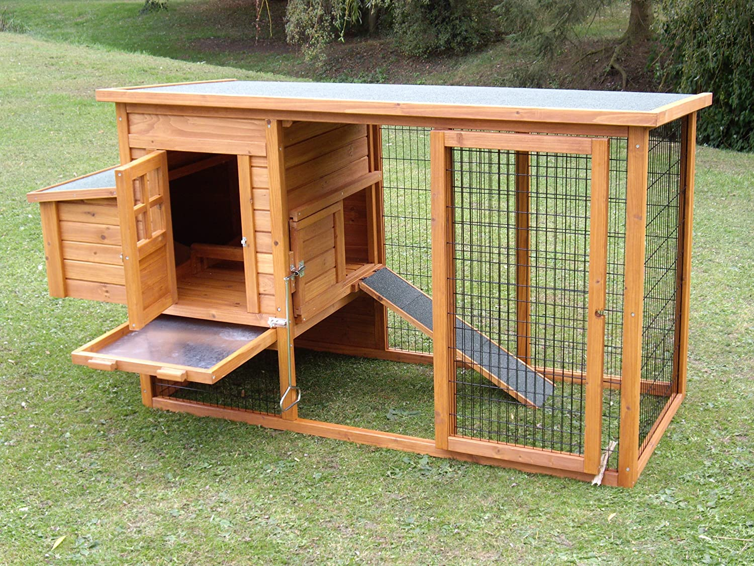 The Norfolk Chicken Coop  A chicken house, run and nesting box suitable for  housing 3 - 4 standard chickens  RRP £299 NOW ONLY £179