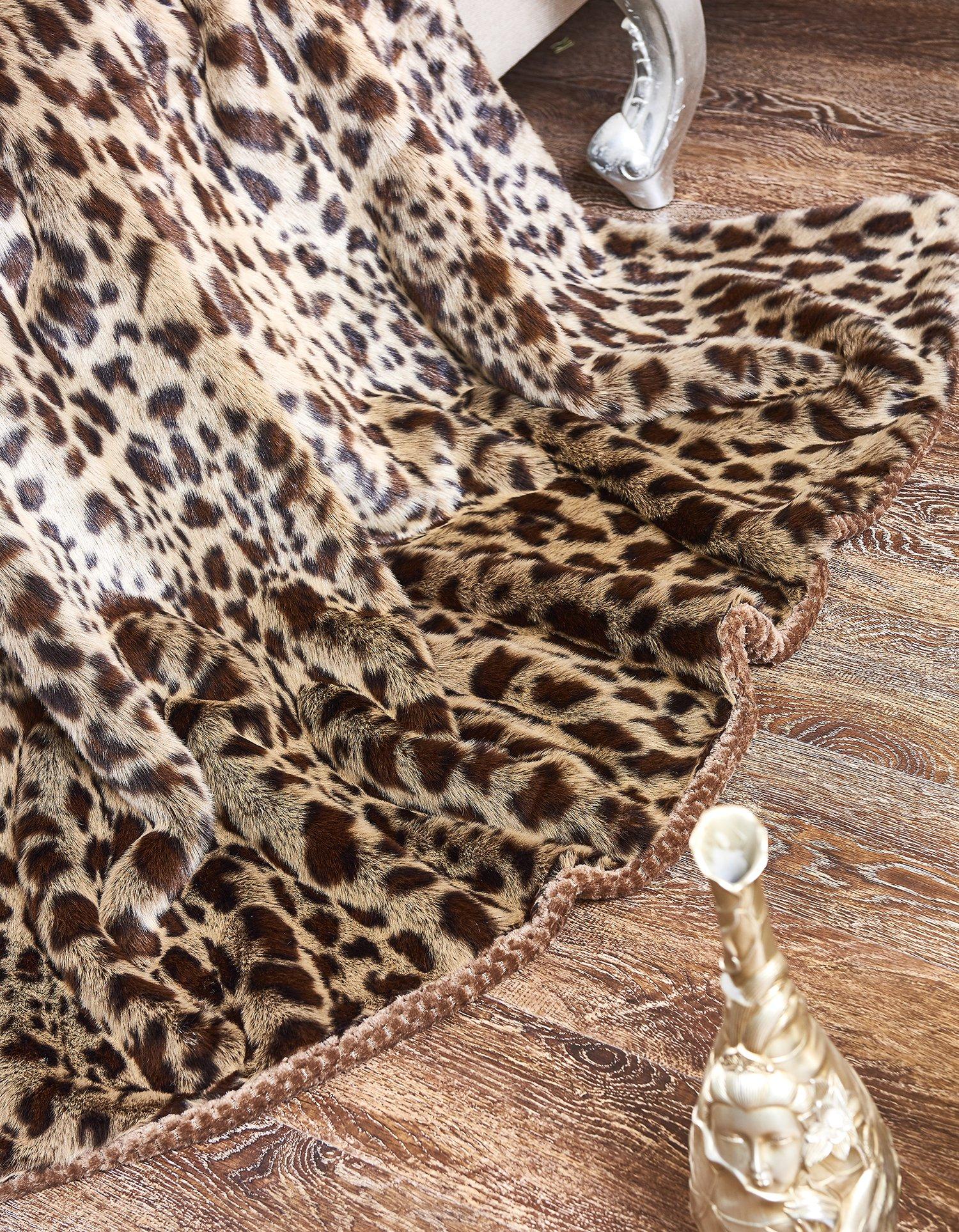 Lindsey Home Fashion Faux Fur Throw, Fur Blankets Super Soft Japanese Kanekalon Fiber, Sheepskin, Mink, Wolf, Bear, 60''x80'', 60''x70'', 50''x60'' 14 Colors (60x70(INCH), Dark Leopard) by Lindsey Home Fashion (Image #5)