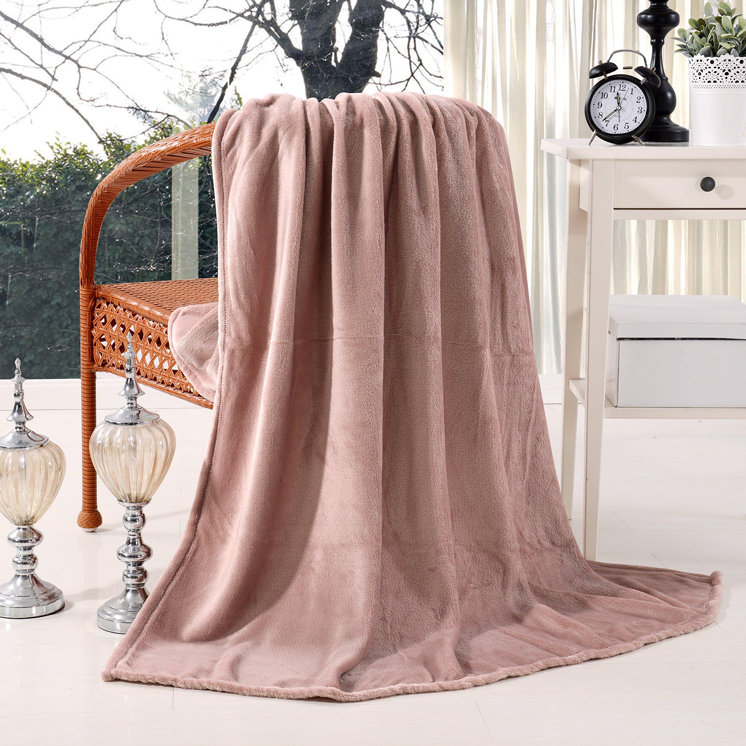 Exclusivo Mezcla Luxury Flannel Velvet Plush Throw Blanket – 50'' x 60'' (Pink)