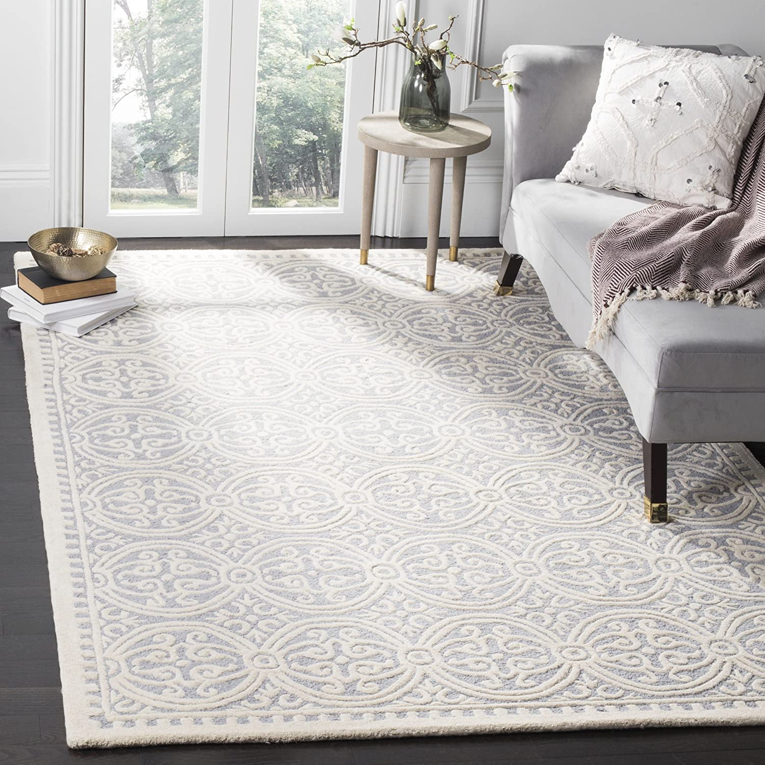 Safavieh Cambridge Collection Cam123 D Handcrafted Moroccan Geometric Silver And Ivory Premium Wool Area Rug (8' X 10') by Safavieh