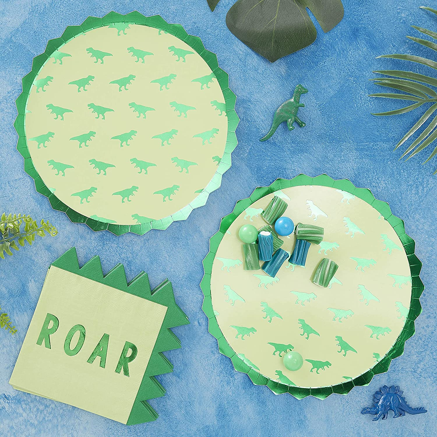 Ginger Ray Green Dinosaur Boys Kids Paper Party Plates 8 Pack Roarsome