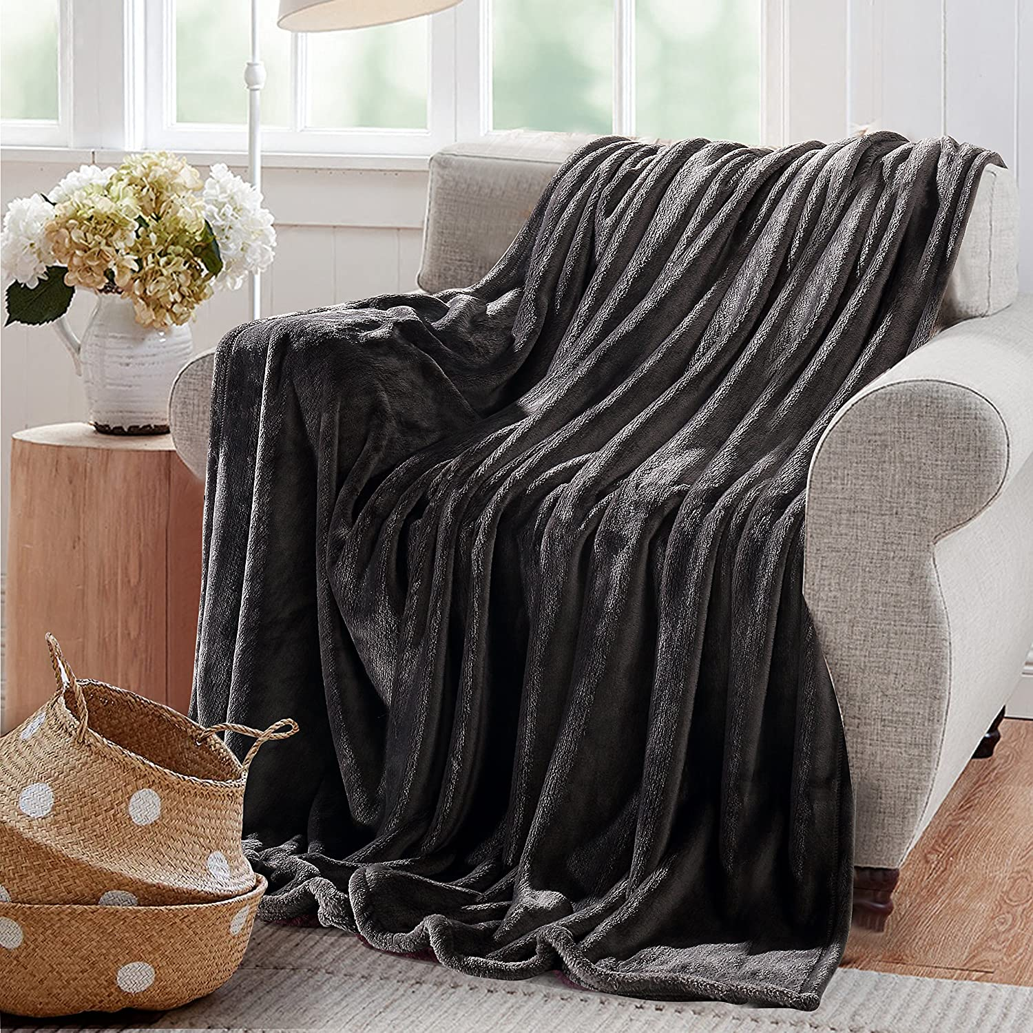 "Reafort Ultra Soft Flannel Fleece All Season Light Weight Living Room/Bedroom Warm Throw Blanket(Dark Grey, King 108""X92"")"