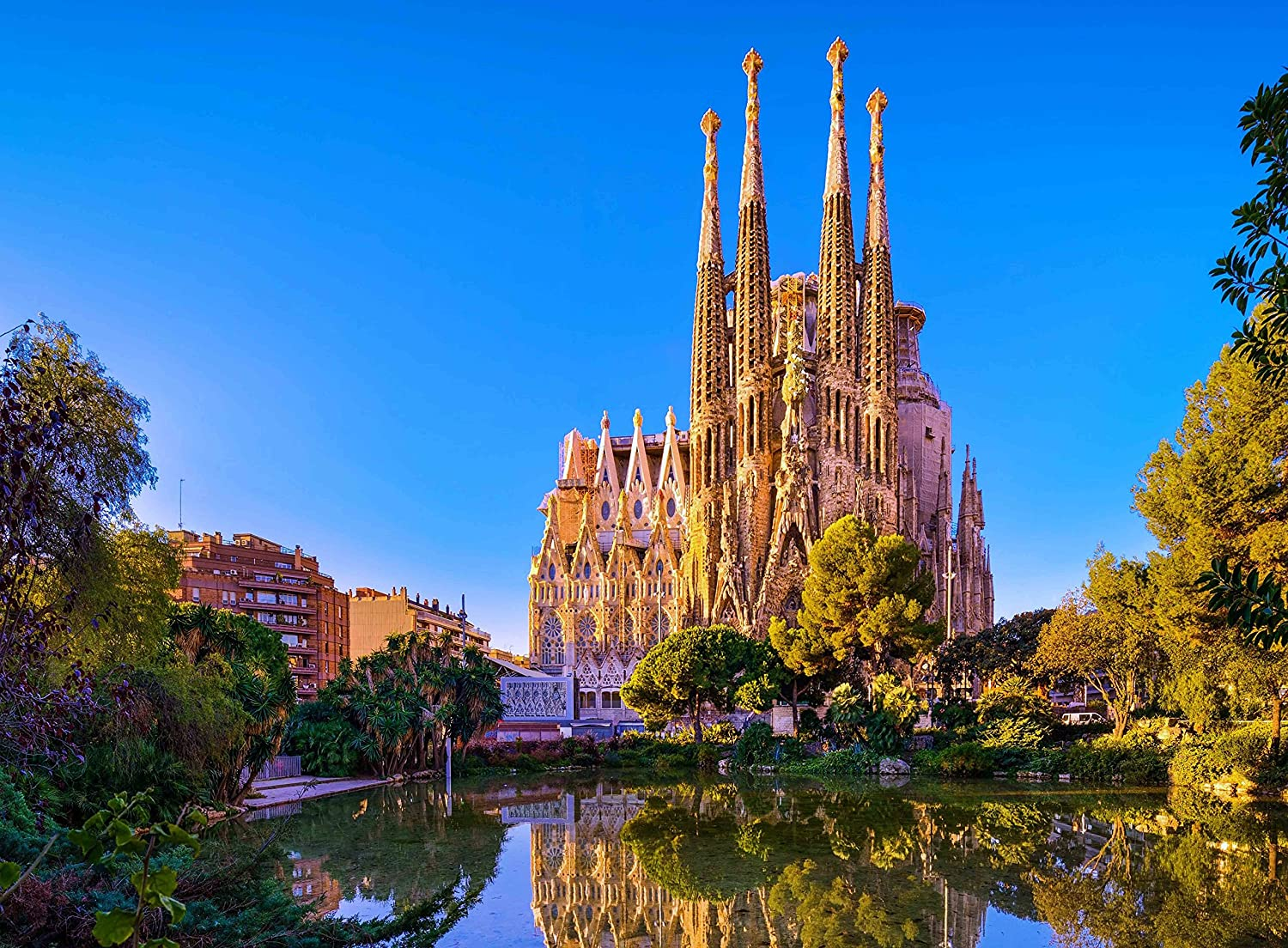 Amazon Com Fkg Adult Jigsaw Puzzle La Sagrada Familia Church Antoni Gaudi Barcelona Spain 500 Pieces Toys Games