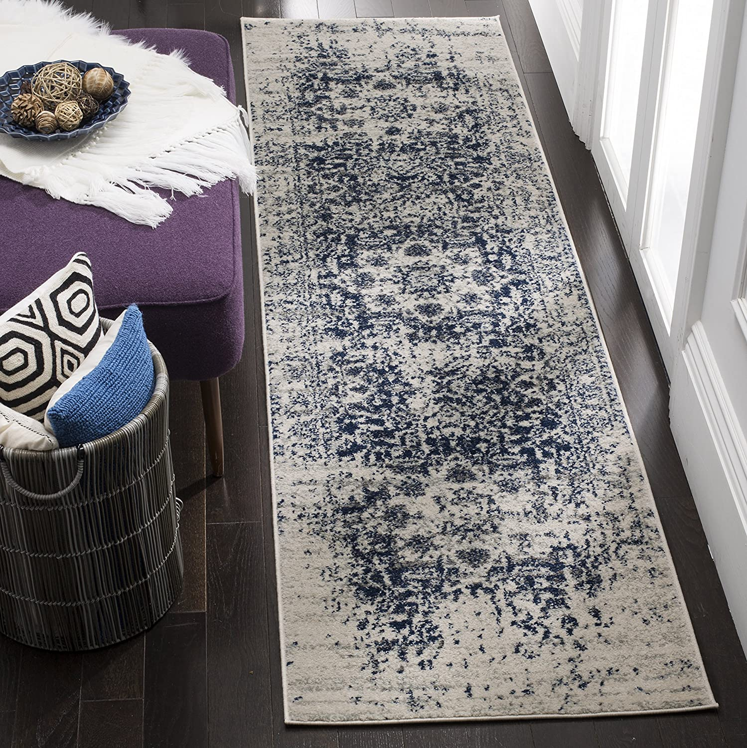 """Safavieh Madison Collection MAD603D Cream and Navy Distressed Medallion Runner (2'3"""" x 6')"""