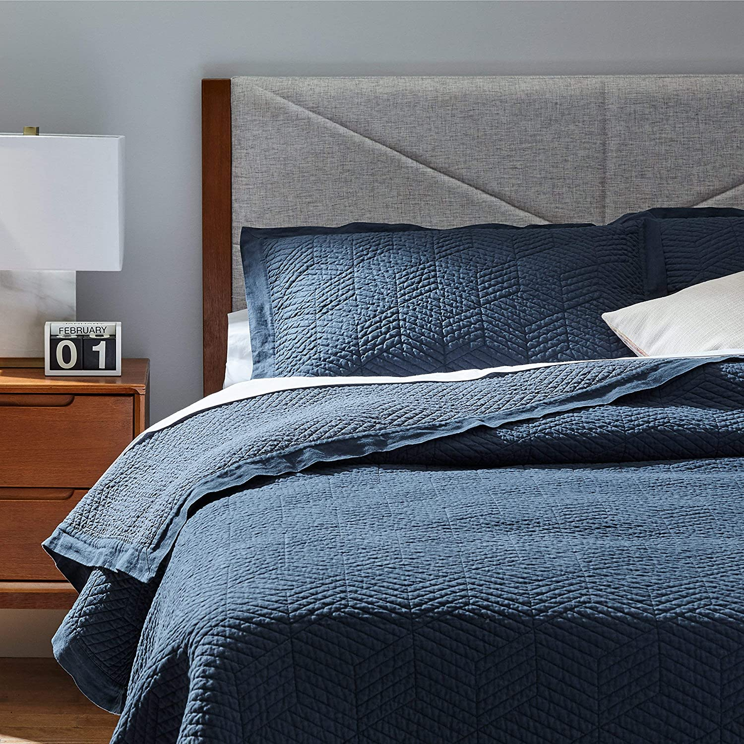"""Rivet Modern Stone Washed Textured Geo Coverlet Bedding Set, King, Soft and Easy Care, 102"""" x 90"""", Indigo"""