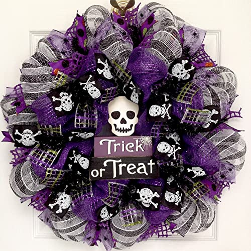 Spooky Trick or Treat Skull Halloween Wreath