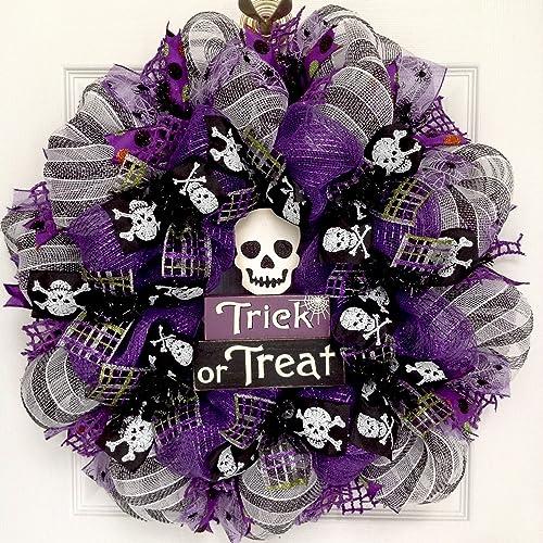 Spooky Trick or Treat Skull Halloween Wreath