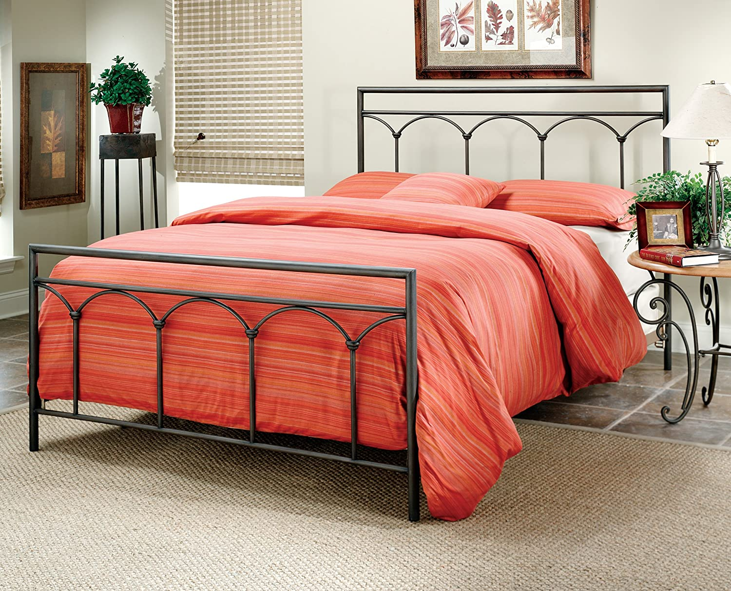 Mckenzie Bedroom Furniture Amazoncom Hillsdale Furniture 1092bq Mckenzie Bed Set Queen