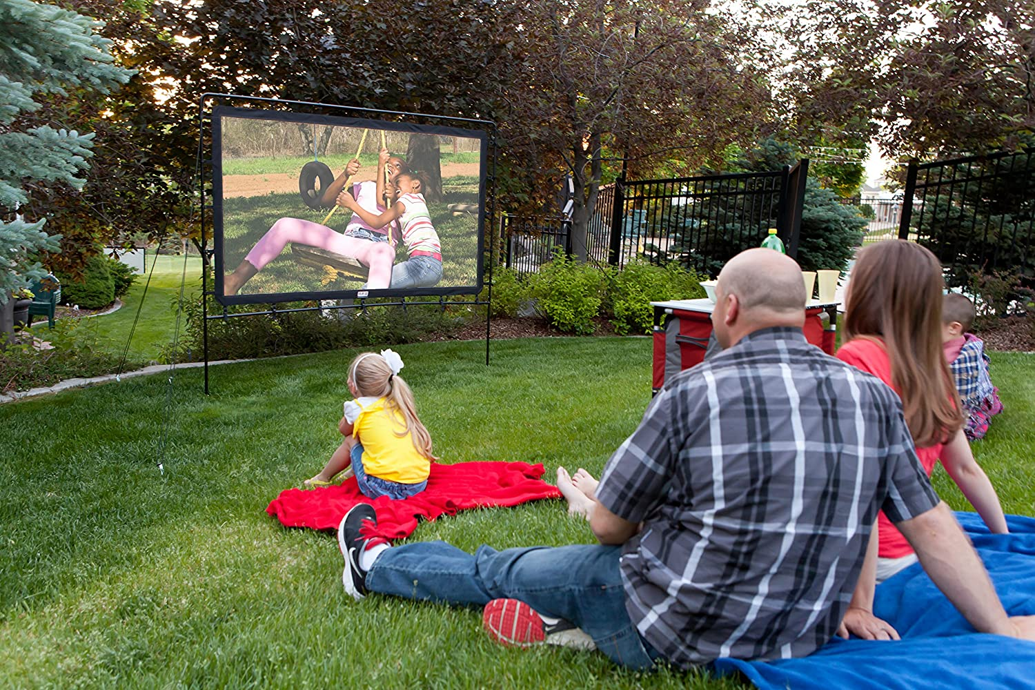 Amazoncom Camp Chef OS92L Portable Outdoor Movie Screen 92 Inch