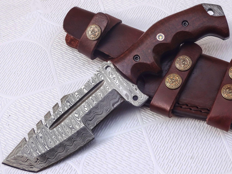 Poshland TR-301, Custom Handmade Damascus Steel Tracker Knife - Stunning Handle by Poshland
