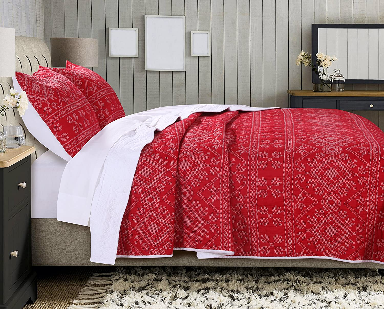 Greenland Home Holly Quilt Set with Cross Stitching, Red (2 Piece), Twin