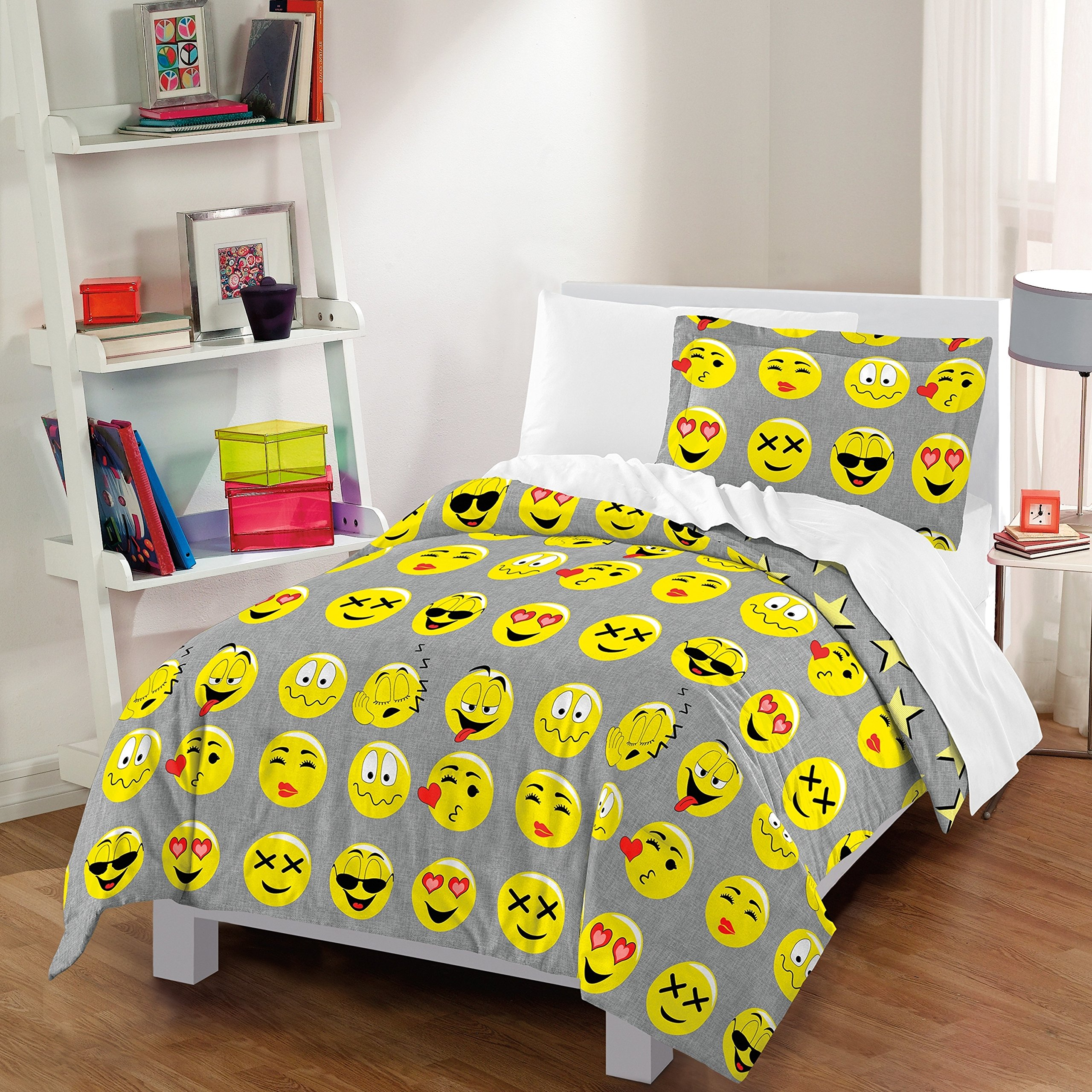 3 Piece Kids Emoji Star Comforter Full Queen Set, Boys Girls Grey Yellow Red Smiley Faces Themed Bedding, Fun Emoticons Smile Face Heart Love Eyes Cool Kiss Faces Theme, Cotton