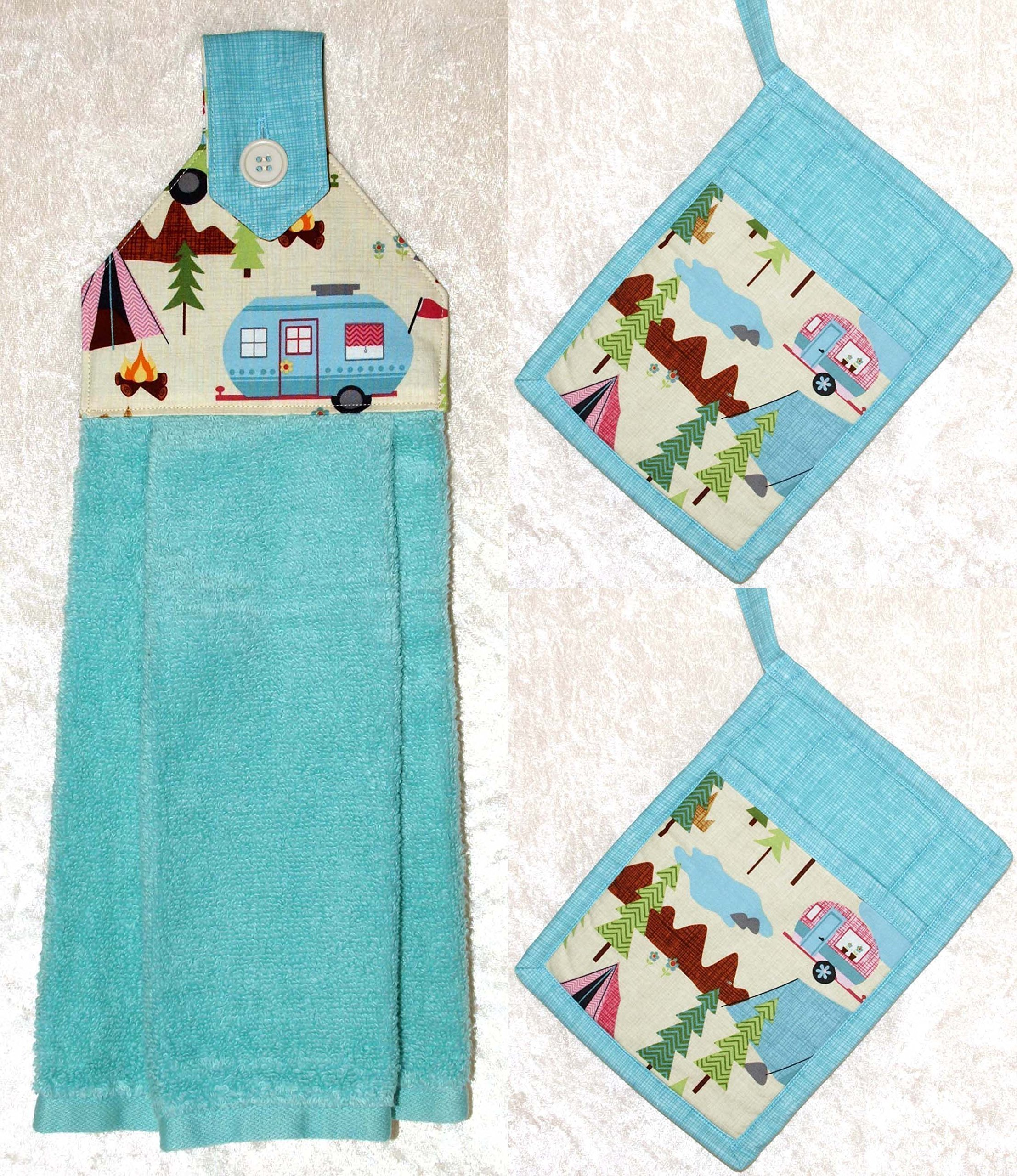 RV Camping Decor - 1 Hanging Hand Towel - 2 Quilted Pocket Potholders - Scenic RV Camper Print