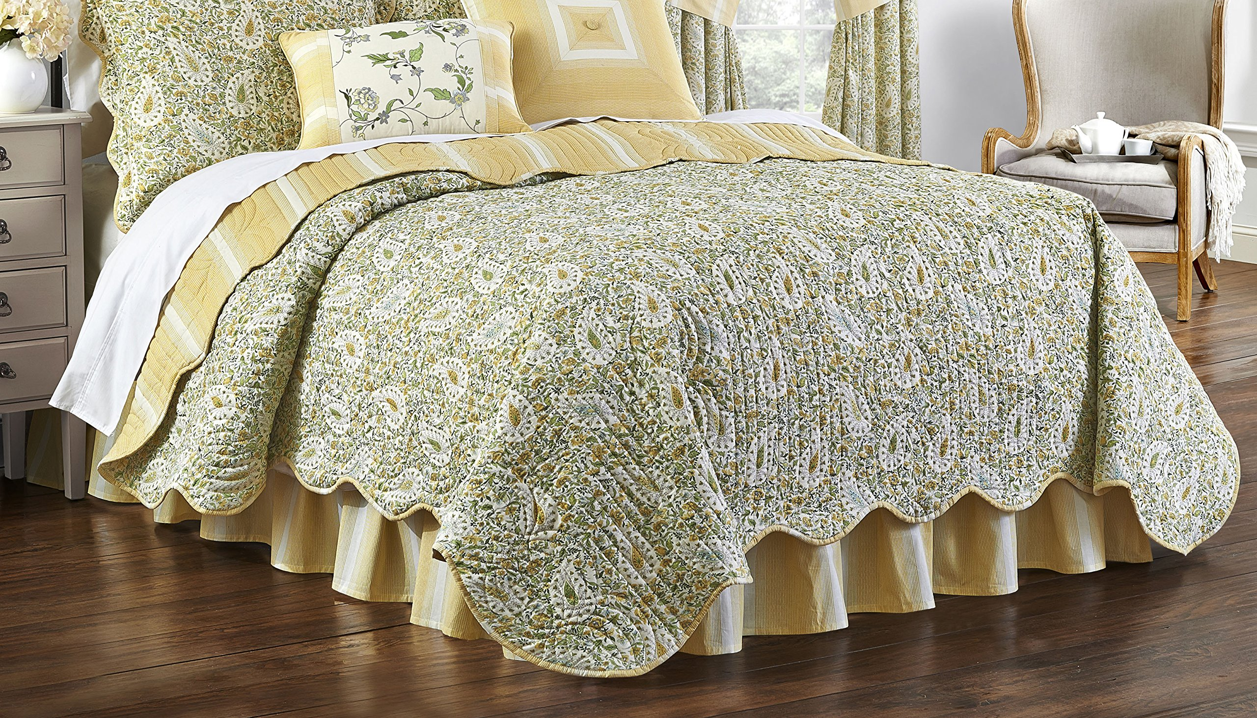 Waverly 15546BEDDTWNSPR Paisley Verveine 86-Inch by 68-inch Twin Reversible Quilt Collection, Spring