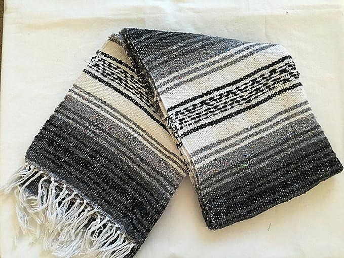 Amazon Com Meximart S Authentic Mexican Falsa Blanket Hand Woven Black Home Kitchen