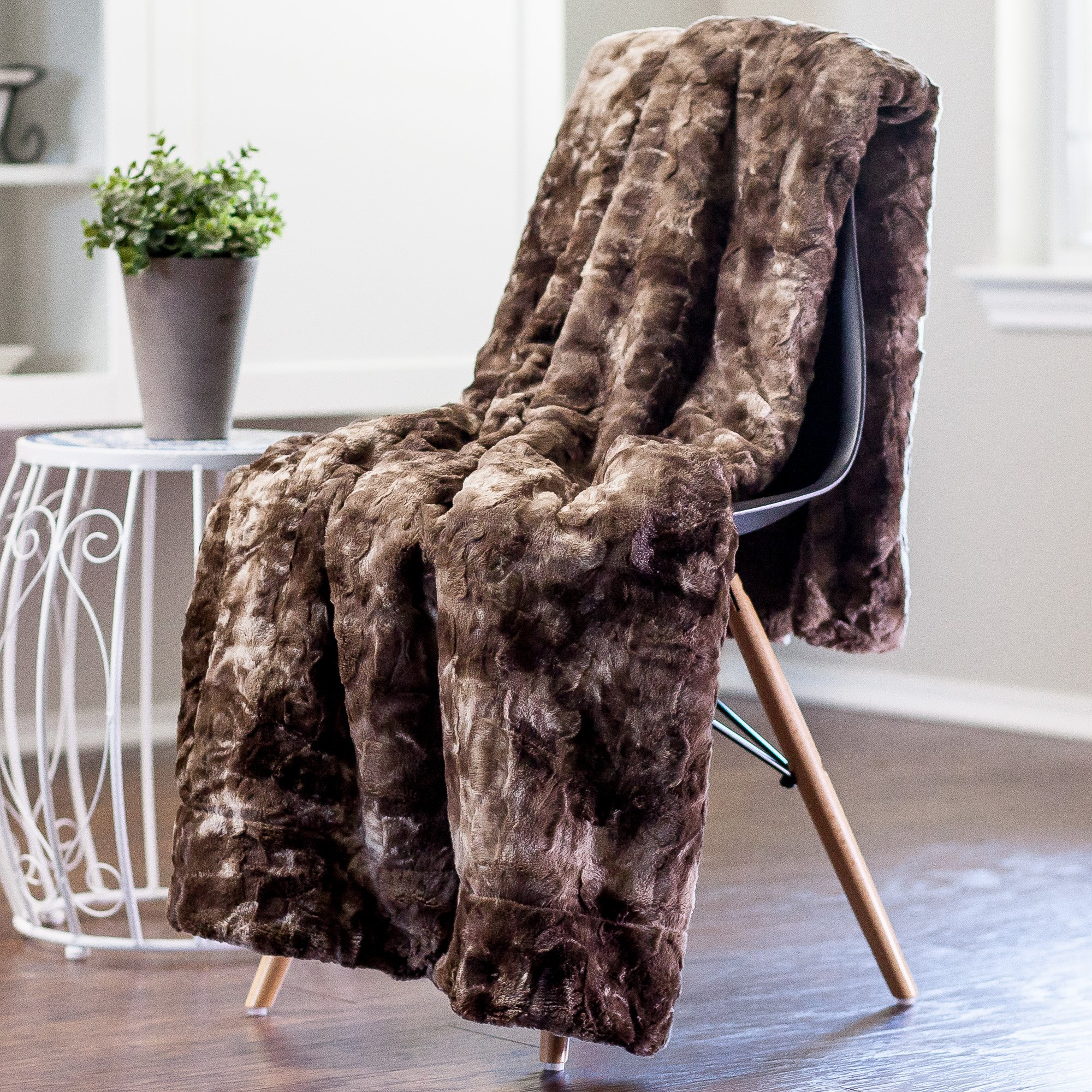 CDM product Chanasya Faux Fur Bed Blanket | Super Soft Fuzzy Light Weight Luxurious Cozy Warm Fluffy Plush Hypoallergenic Throw Blanket for Bed Couch Chair Fall Winter Spring Living Room (Queen)- Chocolate small thumbnail image