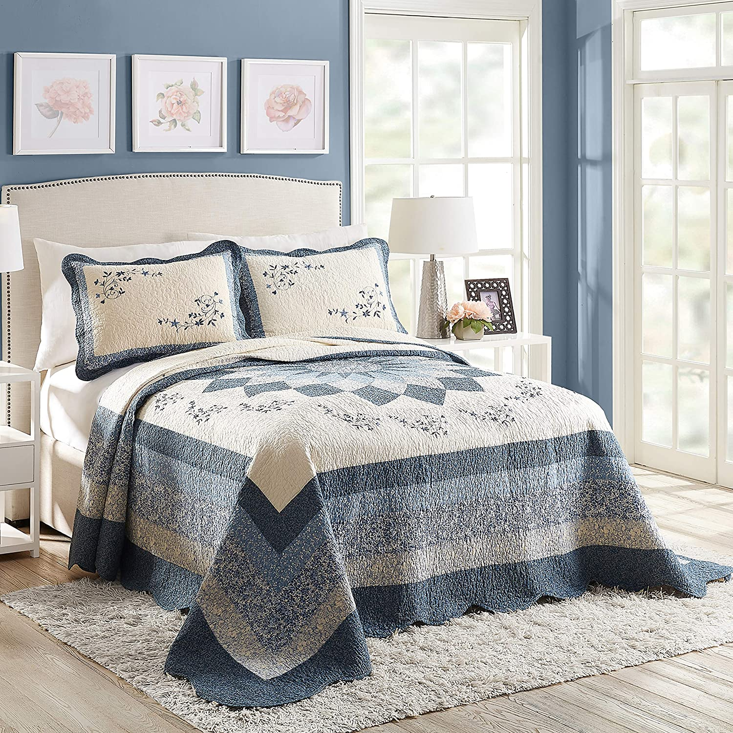 Modern Heirloom Collection Charlotte Bedspread, Queen, Blue