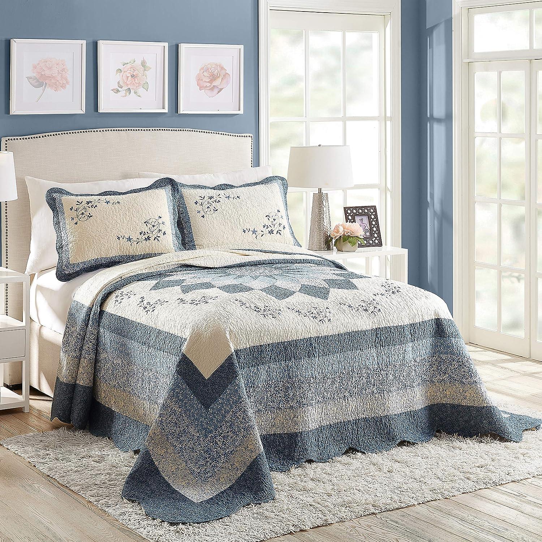 Modern Heirloom Collection Charlotte Bedspread, Queen, Blue