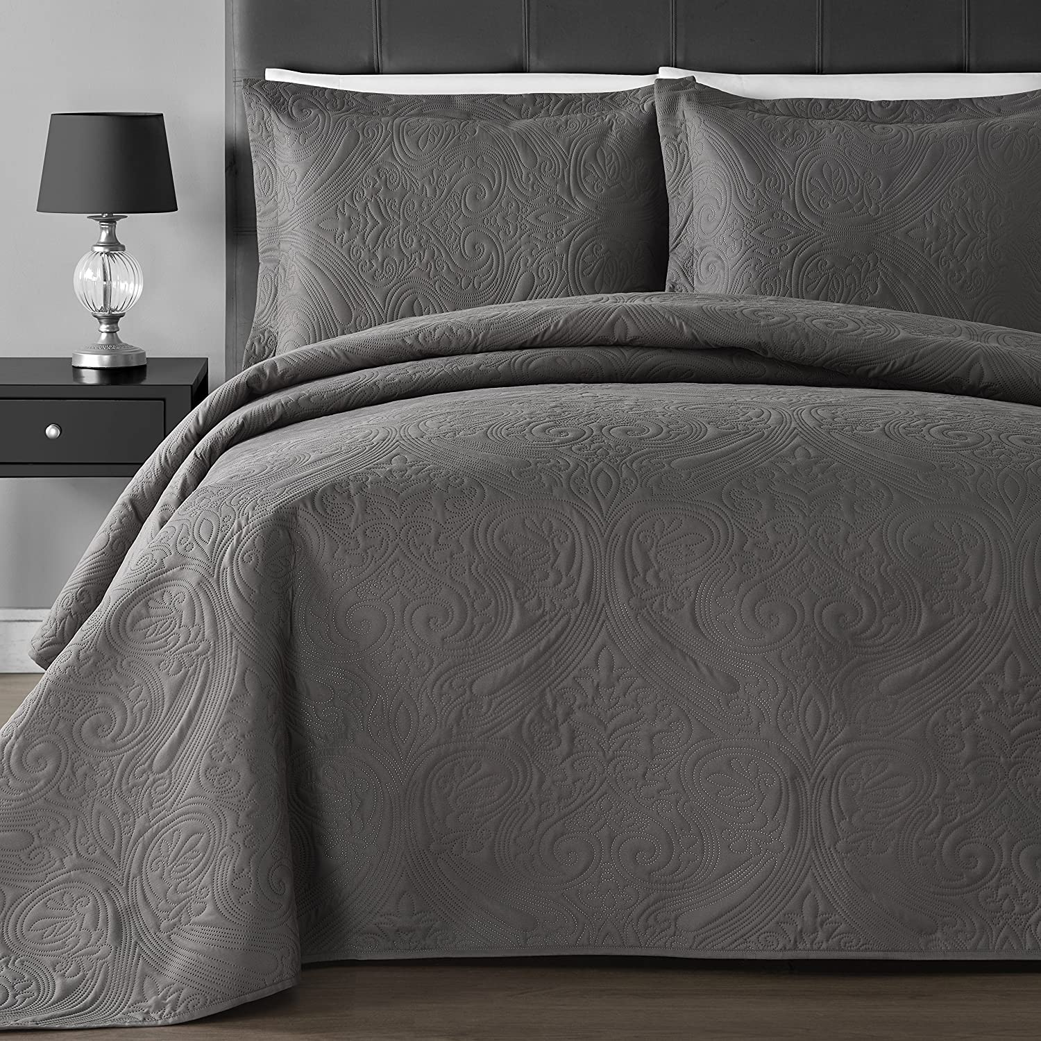 Comfy Bedding Extra Lightweight and Oversized Thermal Pressing Floral 3-piece Coverlet Set (Full/Queen, Gray)
