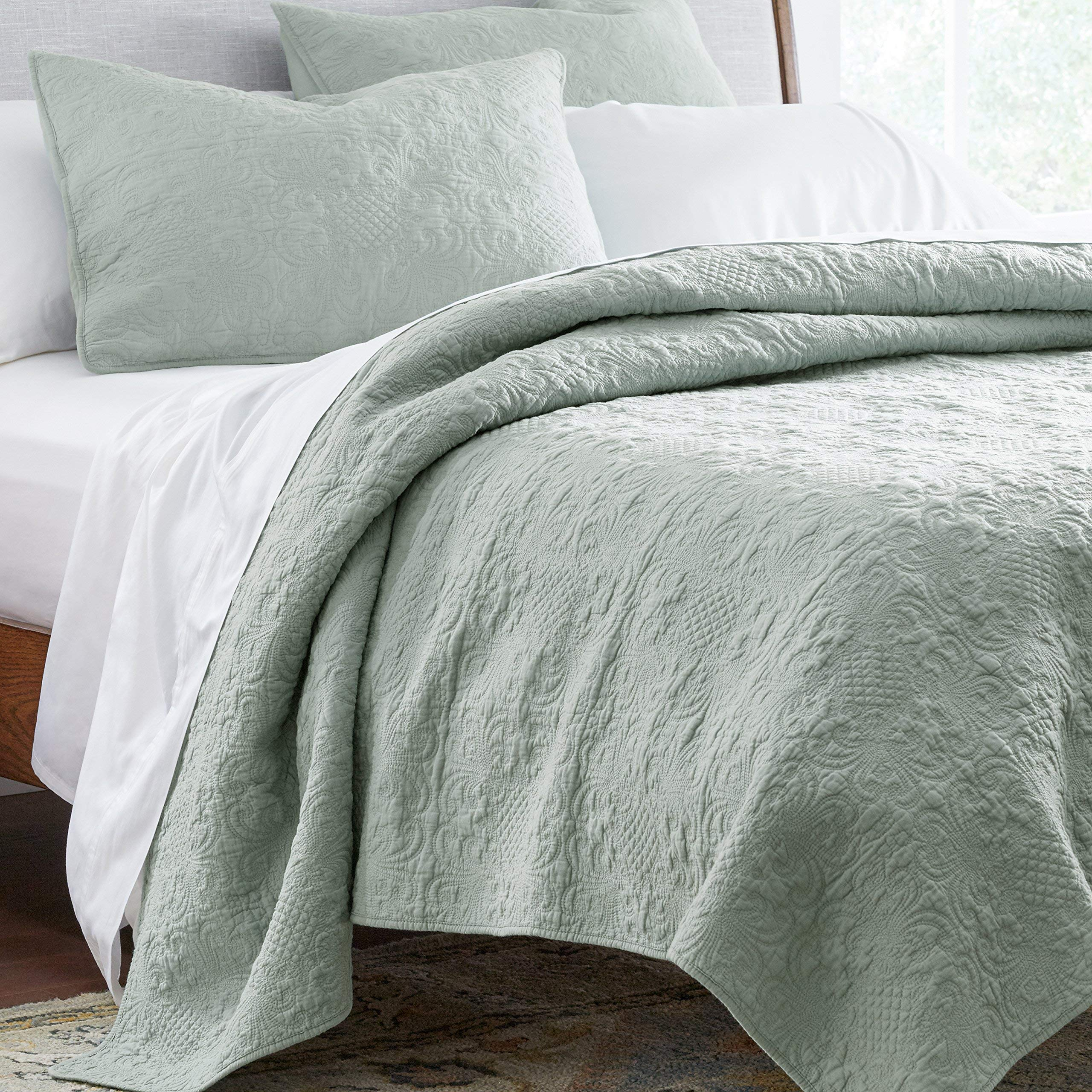 Stone & Beam Vintage-Inspired Floral Embroidery Coverlet Set, Full / Queen, 90'' x 90'', Teal