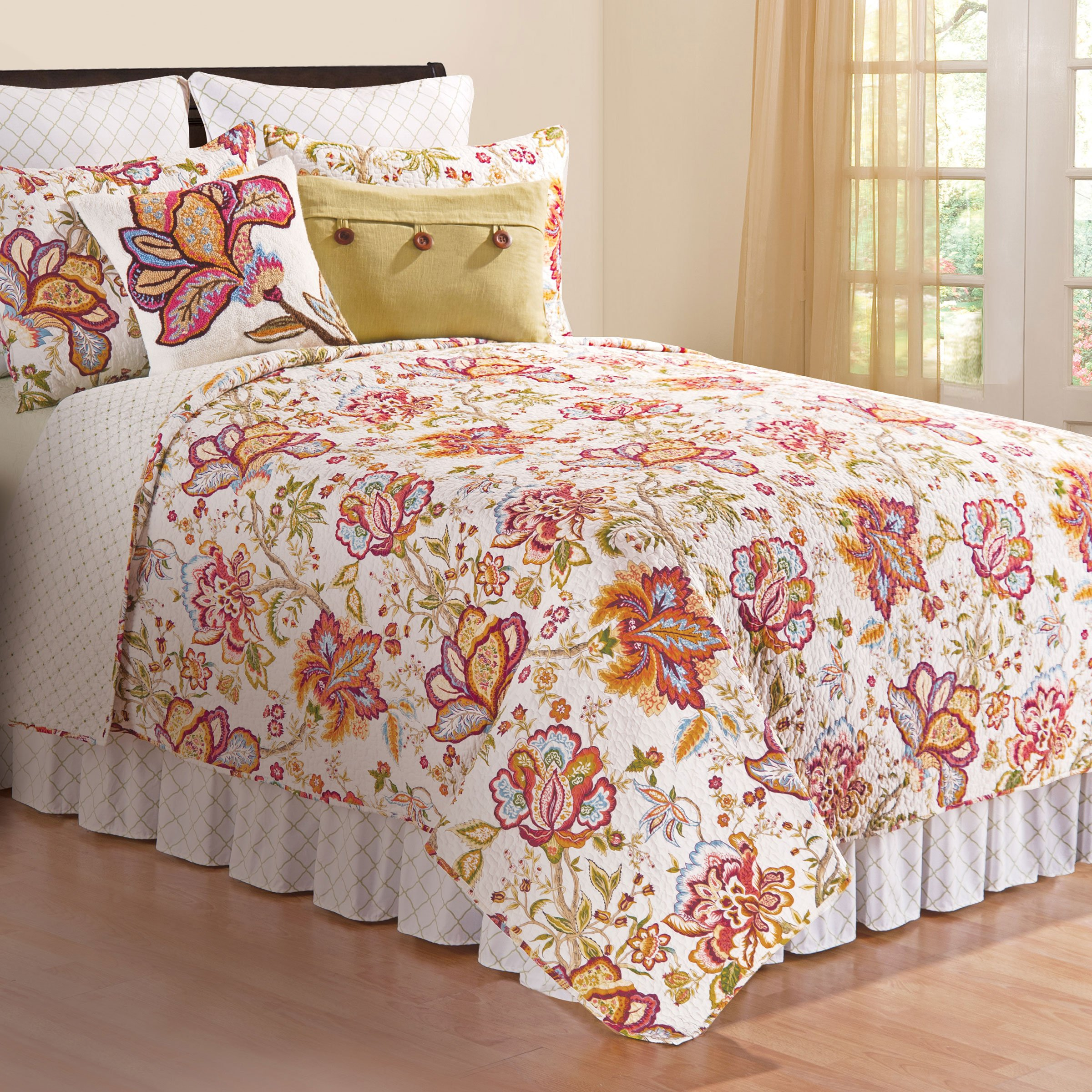 Bethany Floral Reversible 3 Pc. Quilt Set (Queen) by C&F Home