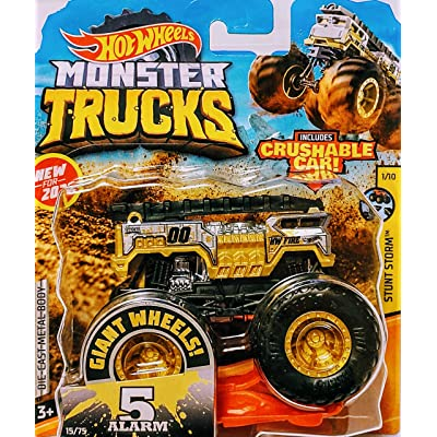 Hot Wheels Monster Jam 5 Alarm Includes Crushable Car 15/75 Stunt Storm 1/10: Toys & Games