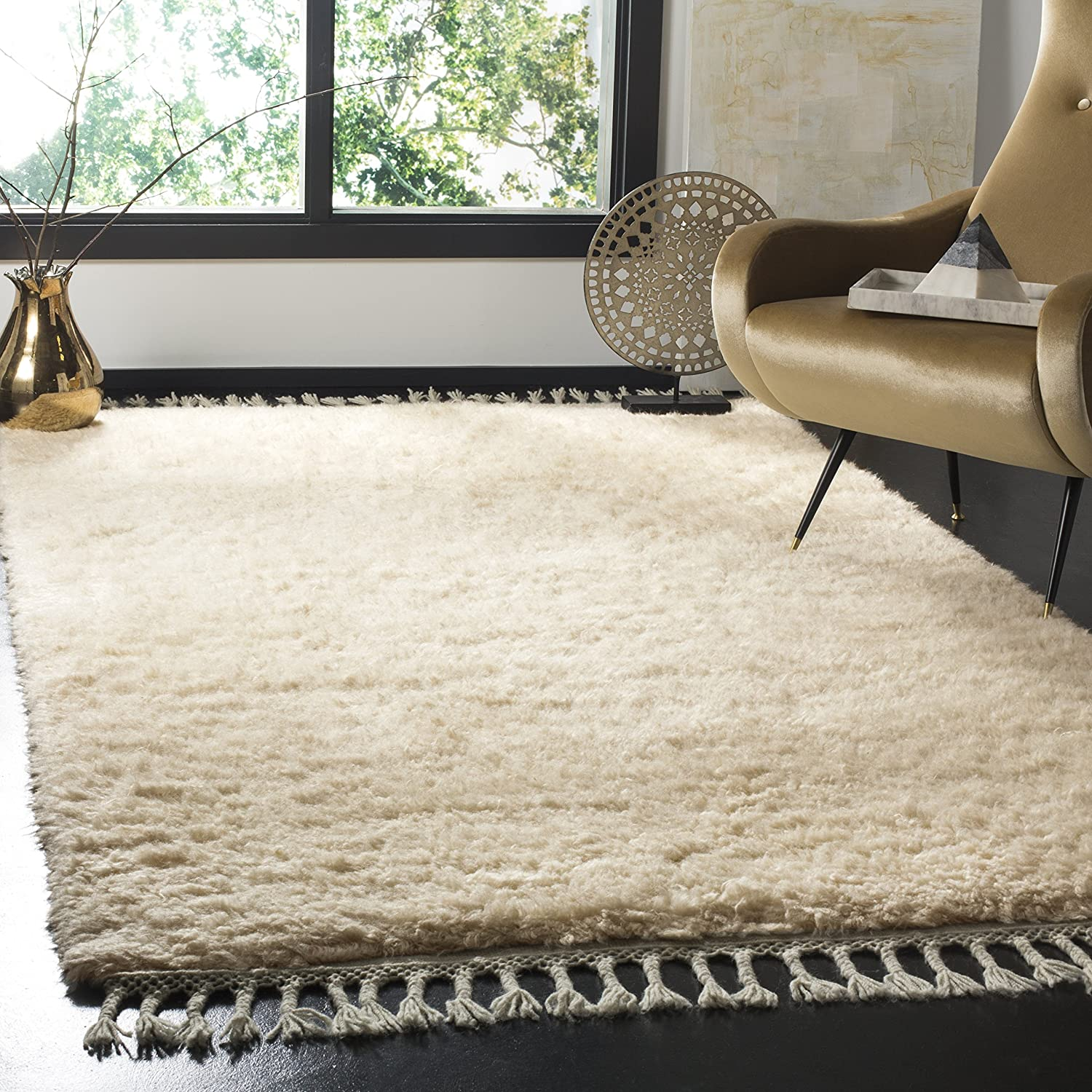 Amazon Com Safavieh Casablanca Shag Collection Csb150c Hand Knotted Tassel Premium New Zealand Wool 1 8 Inch Thick Area Rug 4 X 6 Beige Furniture Decor