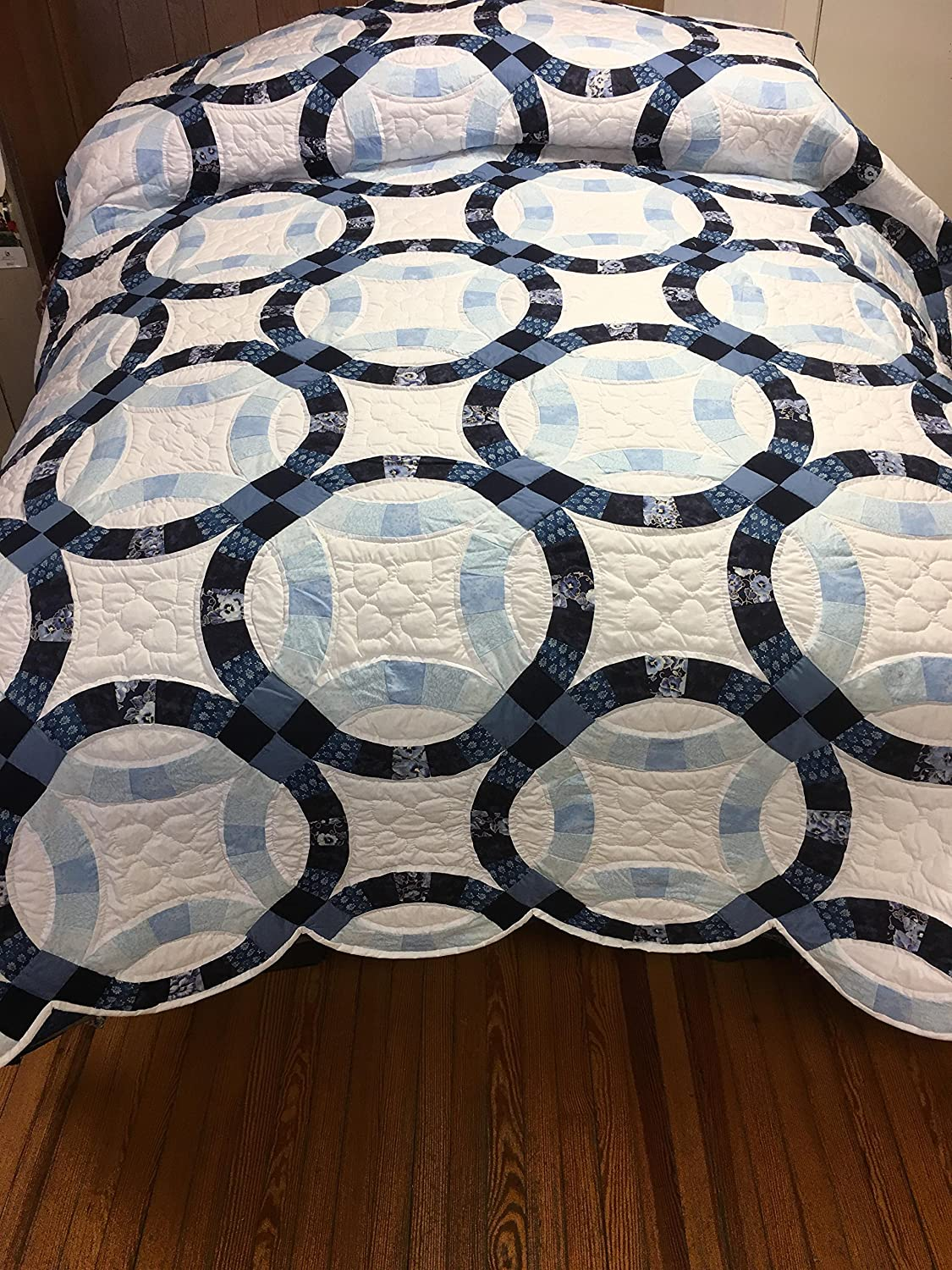 Handmade Hand-quilted Amish Quilt King/Queen - Double Wedding Ring (White-Dark Blue, Queen)
