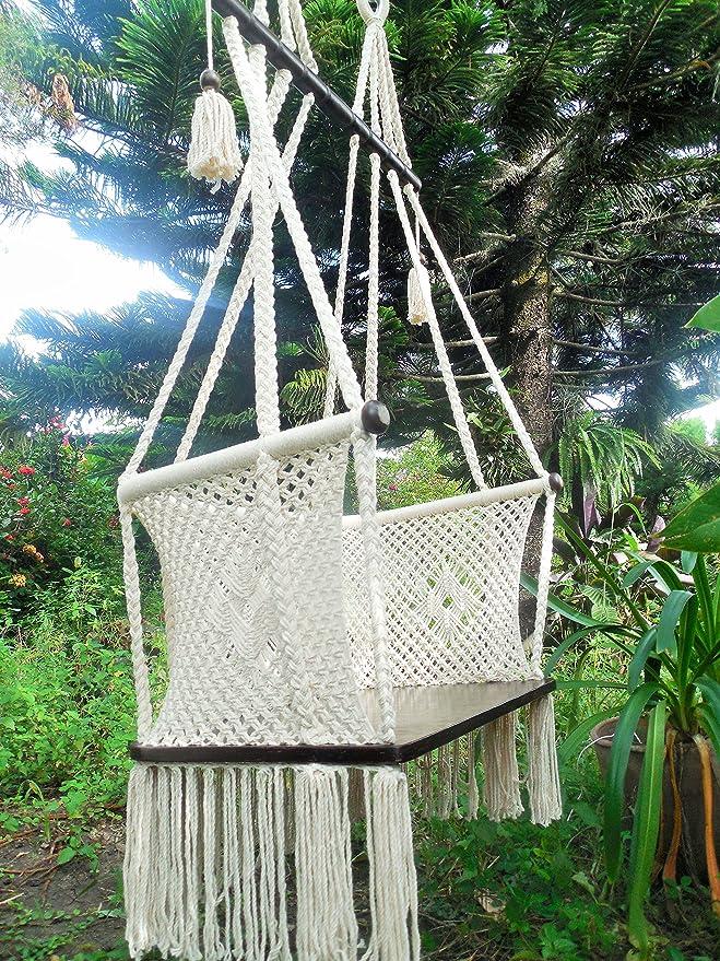 Tamaño grande para colgar silla macramé arte hecho a mano con algodón barras transversales de madera maciza y asiento de madera contrachapada/este es un ...