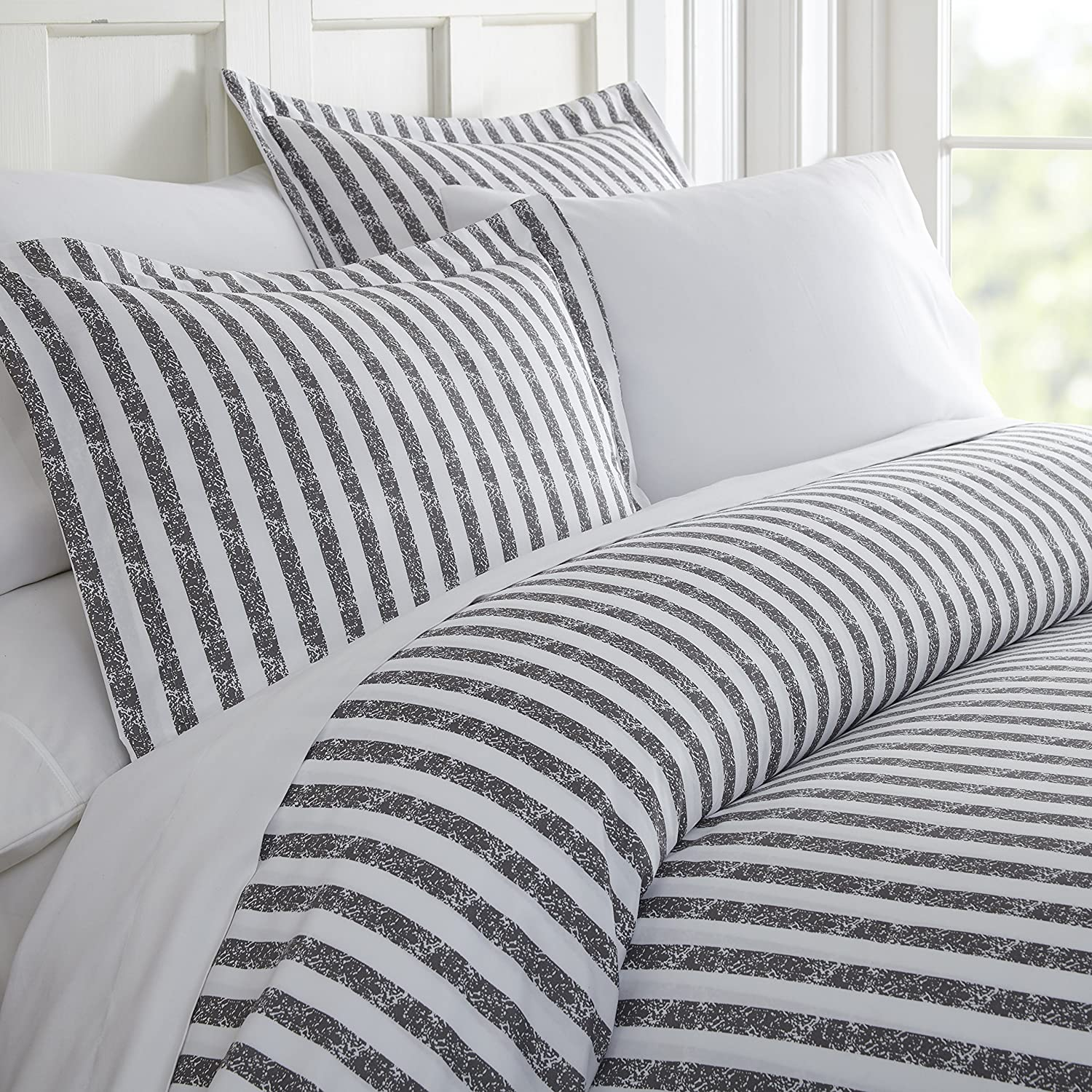 ienjoy Home 3 Piece Rugged Stripes Patterned Home Collection Premium Ultra Soft Duvet Cover Set, Queen, Gray