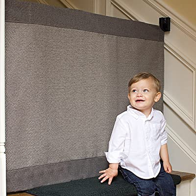 The-Stair-Barrier-retractable-baby-gate