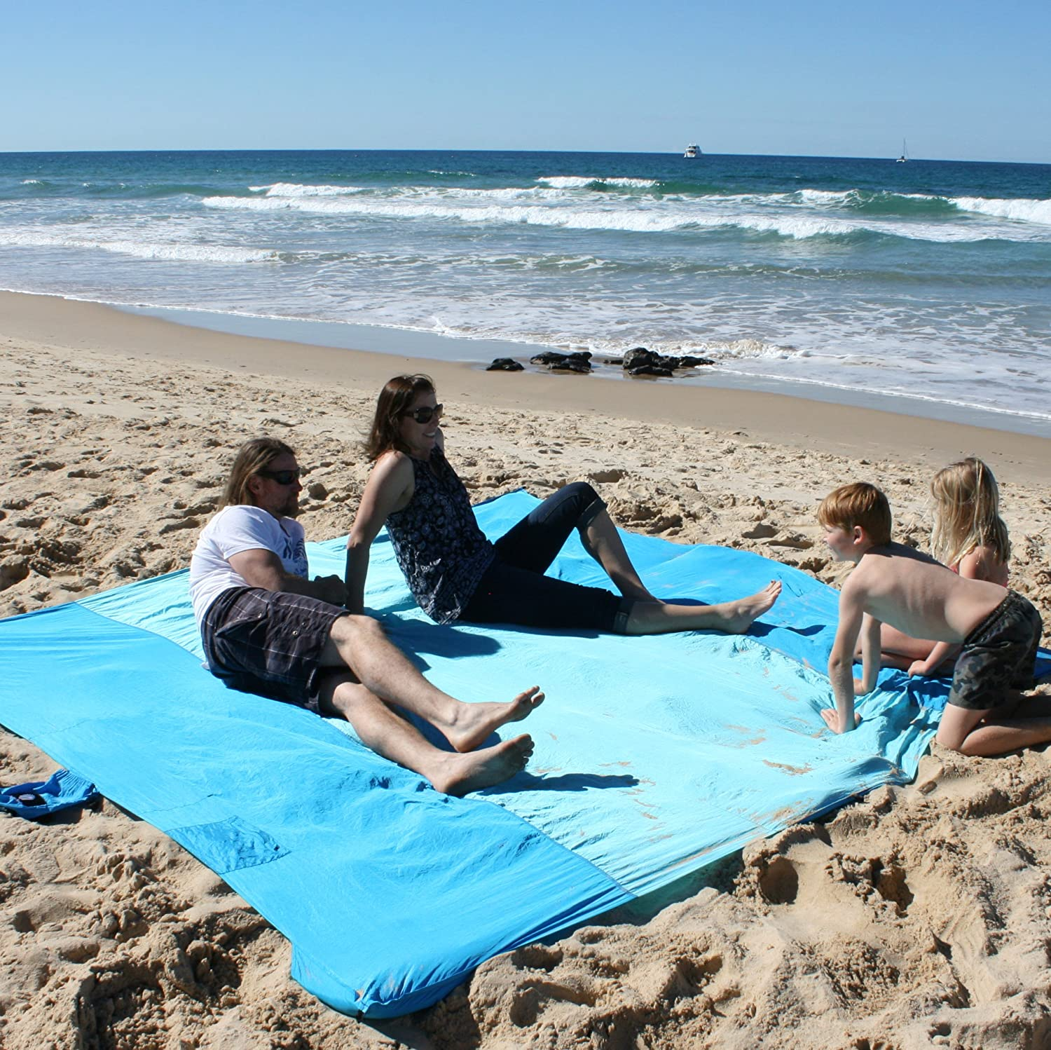 Parachute Nylon Metal Stakes Lightweight Glowing Horizon Sand Free Beach Blanket Sand Proof//Picnic Blanket- Extra Large 9 x 10 in Compact Bag- 8 Hidden Sand Pockets Storage Pocket