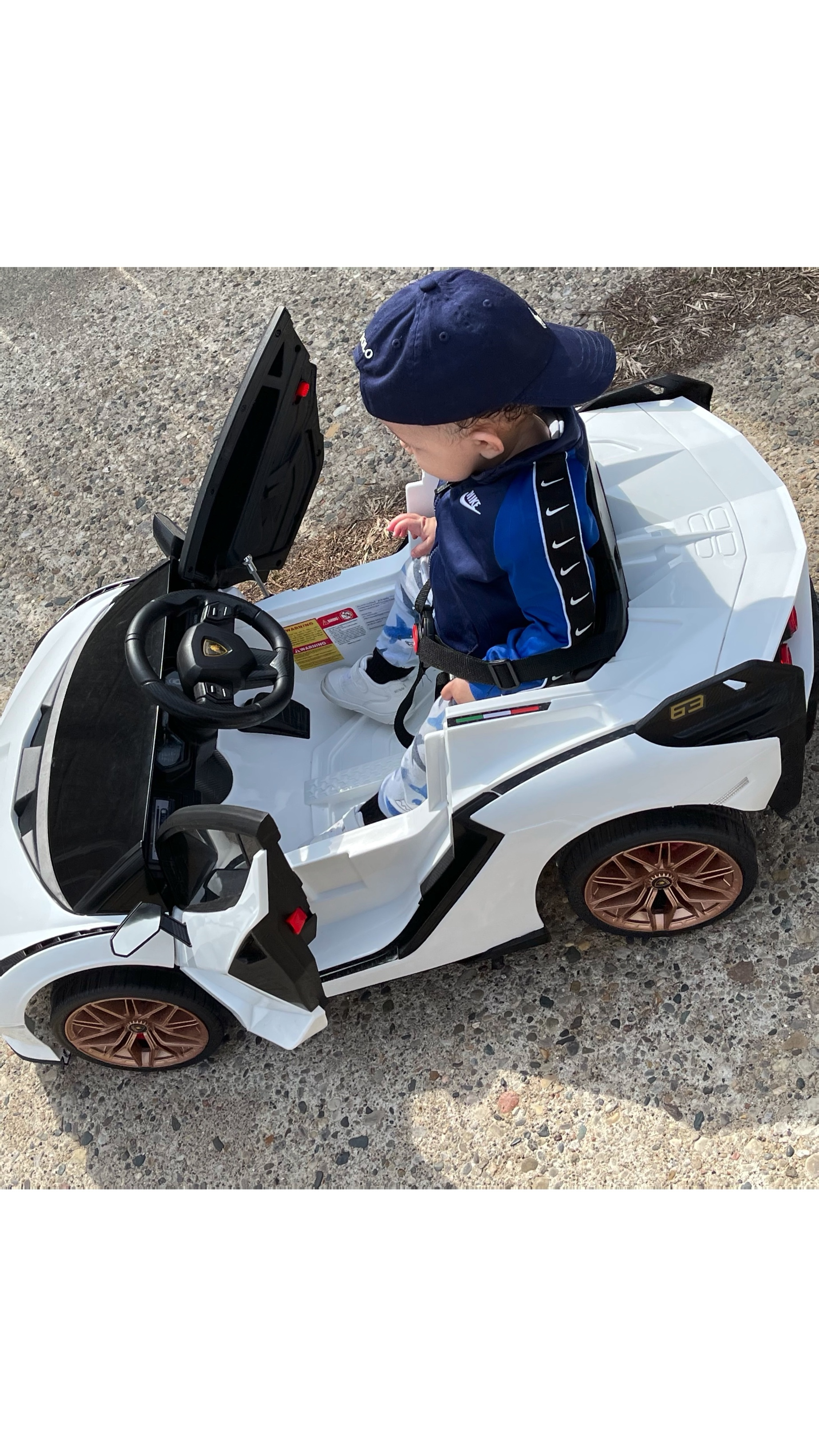 Licensed Lamborghini Sian 12V Children's Electric Ride On Car Toy photo review