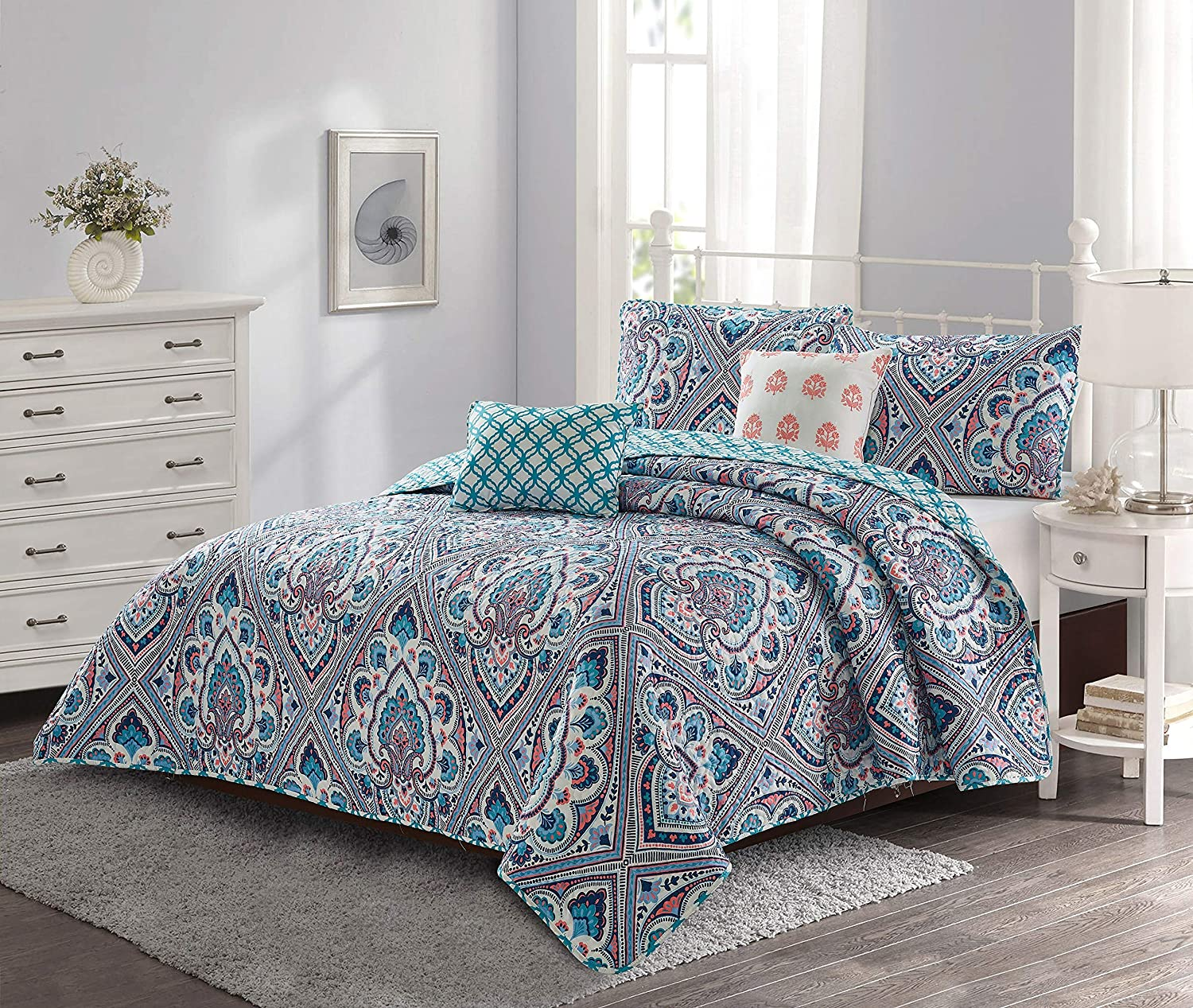 Go-U Set Universal Home Fashions Quilt, Full/Queen, Blue Merriam