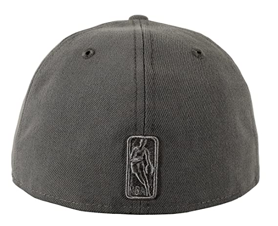 low priced 331de 5bc8a Amazon.com   New Era 59FIFTY Chicago Bulls Visor Script Fitted Cap   Sports    Outdoors