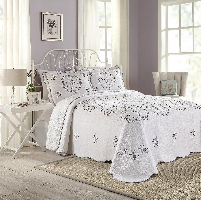 MODERN HEIRLOOM Peking Collection Gwen Bedspread, King, White Peking Handicraft Inc. 80PHC134B08C1204