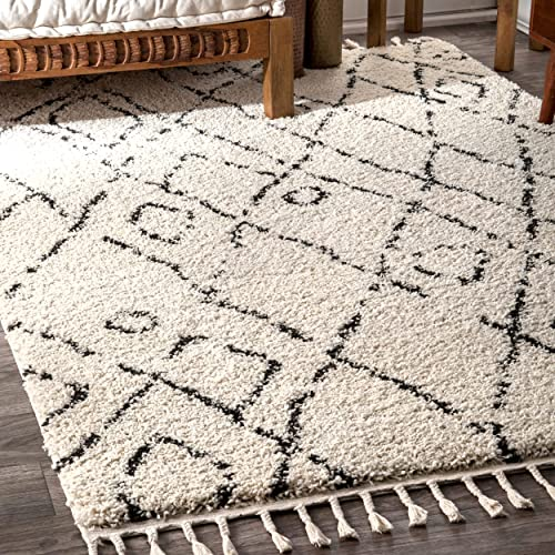 nuLOOM Nieves Moroccan Diamond Shag Rug, 4 x 6 , Off White