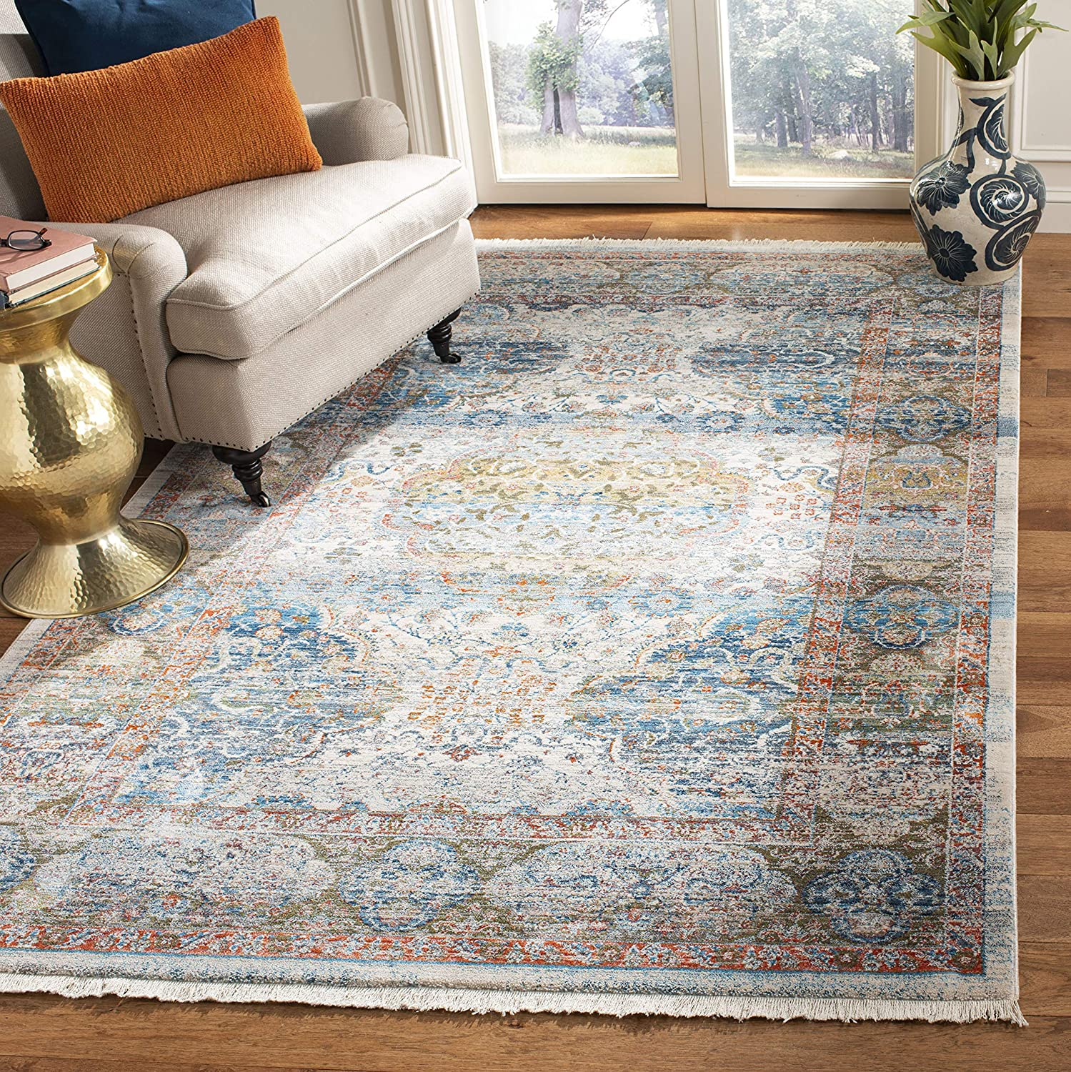Safavieh Vintage Persian Collection VTP483B Traditional Oriental Distressed Area Rug, 4' x 6', Beige / Blue
